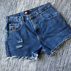Tommy Hilfiger High Waisted distressed shorts 32
